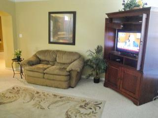 Beautiful 3 Br / 2 Ba, sleeps 8