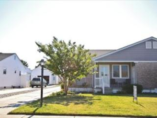 Newly Renovated Twin 13815, Cape May