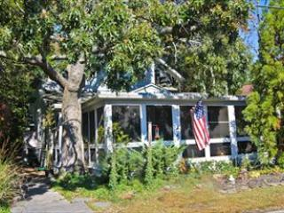 409 Holly Ave 92682, Cape May Point