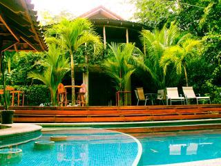 Surf Costa escapada de casa con piscina privada, Esterillos Oeste