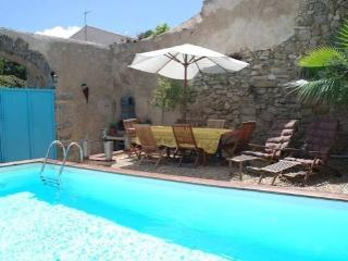 Lespignan holiday rental house France with pool near beaches sleeps 10