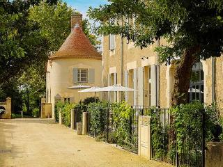 Chateau les Carrasses, private holiday rentals Fra, Capestang