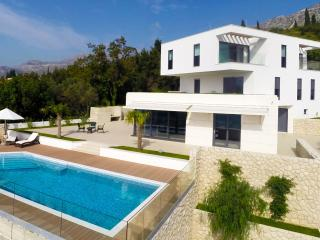 Luxury Villa Noemi with pool, Dubrovnik