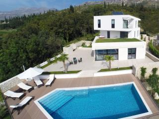 Luxury Villa Noemi with pool