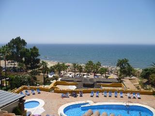 FANTASTIC FRONTLINE PENTHOUSE - 11076, Marbella