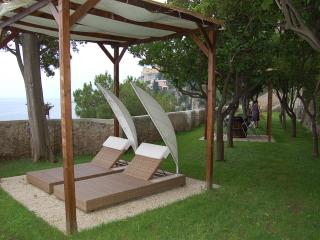 Large Villa Near Amalfi with a Jacuzzi and Spectacular Sea Views - Villa la Grot