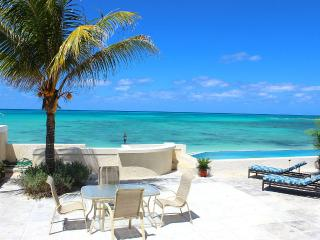 7 Bedroom Beach Residence- Amazing Infinity Pool, Nassau