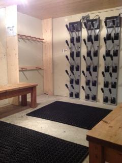 Ski locker & heated boot room