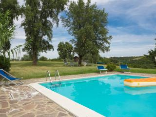 charming holiday home for 6/8 pp near S Giminiano
