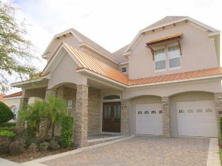 Stylish 4 bed located in Reunion Resort with Pool and Spa