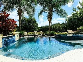 Stunning 5 Bed Home - Private Pool - Near Disney!, Reunión