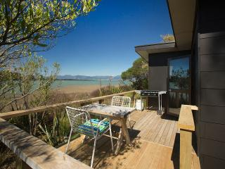 Miro Cottage at Matahua Cottages, Mapua-Nelson, Bronte
