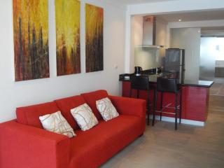 Surin Beach Lofts :: LARGE Modern apartment ::, Choeng Thale