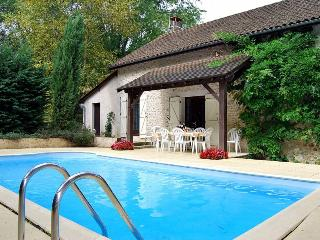 2382 Perigord villa with private pool, Thenon