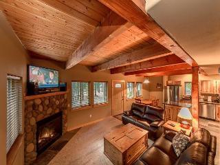 Charming 3BR / 2BA cabin in Pineloch Sun, near the Lake and Speelyi Beach!