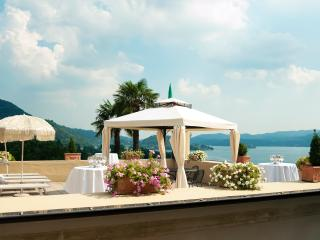 Large charming villa with spectacular Lake Orta view: 14 Sleeps, 7 bedroom, 5 bathroom, Pettenasco