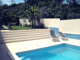 Isolado, ideal para relaxar com piscina, Leiria