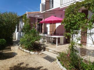 Cassis 5 Bedroom Villa with Sea View, Sleeps 11, 400 Meter to Portbeach
