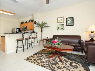 3 bedroom townhouse with private small pool and only a short walk to the Windsor Hills Resort clubhouse., Four Corners