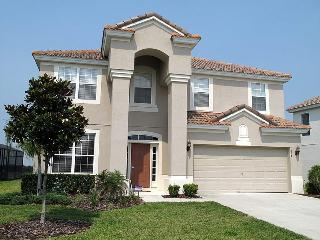 2 miles to Disney, Windsor Hills offers a magnificent 6 bedroom home with games room and pool, Four Corners