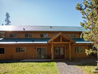 Great Group Vaca Rental on forested acreage