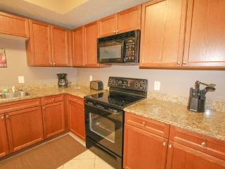 Myrtle Beach Villas Luxury 4 Bedroom Vacation Home with a Hot Tub