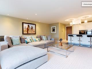 Luxury London 2 bed 2 bath on Aldersgate St, Clerkenwell, Londen