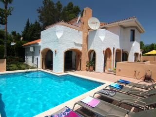 Villa Los Pulus, HEATED POOL OPTION