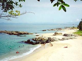 Beach Front Condo Jules 3bed, Puerto Vallarta