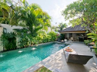 Drupadi 16A, Luxury 3 Bed Villa, Central Seminyak