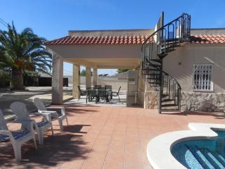 Extensive 3 Bed Villa with Private Swimming Pool