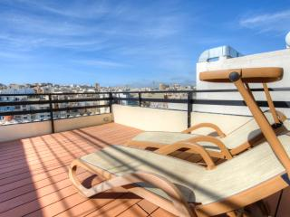 048 Seafront St Julians Duplex Penthouse, San Julián