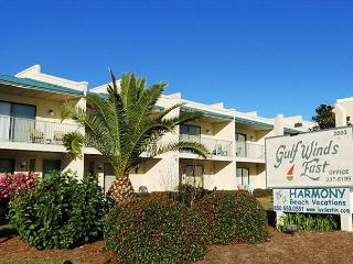 Gulf Winds East 44, Sleeps 10! Steps to the beach!