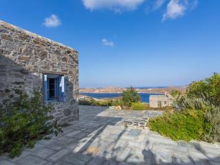 An Amazing Stone Villa-B in Serifos