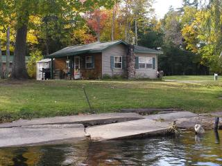 Cottage #7 on AuTrain River Near Lake Superior Pictured Rocks Beaches Waterfalls, Munising