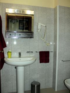 Shower room - Palheiro Residence