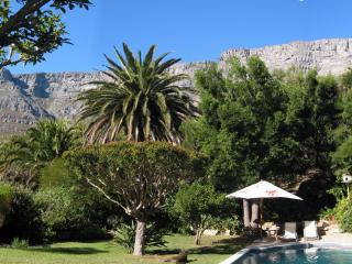 A'Capensis garden apartment with great views, Cape Town