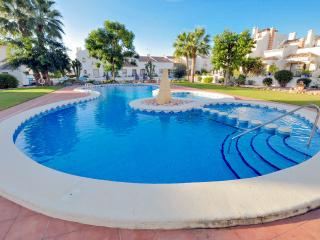 Bungalow For 4, El Raso: WIFI; AirCon;TV; 2 Bed/Bath; Pool;BBQ; Sea 5 Mins Drive