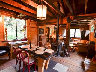 Upscale & Authentic: Stone Lagoon Cabin-Gaze at Wild Elk, Hike to Beach, Trinidad