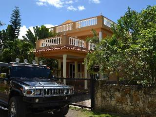 City Villa, big pool. Garden. Ocean View. 4bedrooms. Security. Closed territory., Sosúa