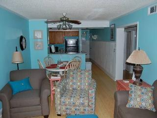 Pelican's Landing 215- Inexpensive 3 Bedroom Condo Rental near the Beach, Myrtle Beach