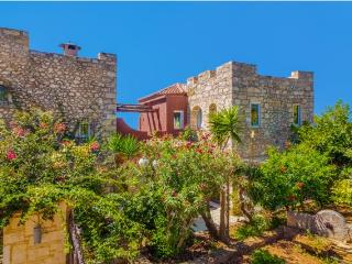 Private Estate with pool overlooking Chania Town.
