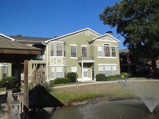 Beautiful 3 Br / 2 Ba Condo at Legacy Villas, Gulfport