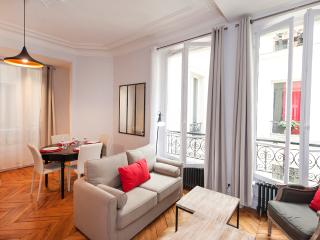 March special rate : 1100 €/week, París
