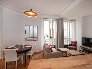 November special rate : 1100 €/week, París