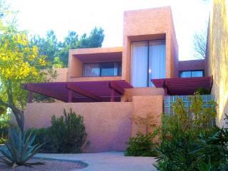 12 Room Private Golf- & Lakeview Resort Villa, Scottsdale