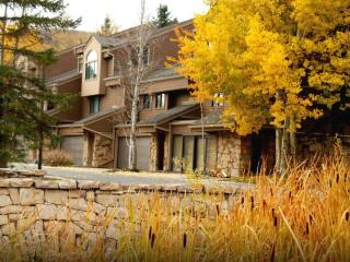 Deer Valley/Park City 5 BR/4BA - Ideal 2 Family Condo! 1 Min. to Lift!
