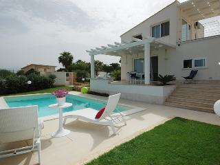Villa Bianca in Alcamo Marina with private pool
