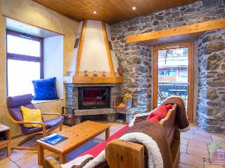 Chamonix Centre - Fireplace - 2BR Wifi