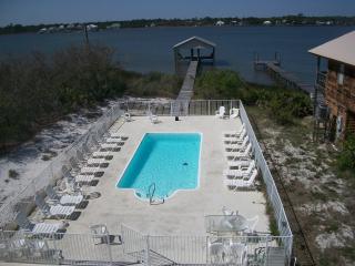 Waterfront Home W/Pool! Free Wifi!